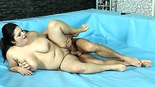 Lesbo and hardcore rounds in BBW wrestling match