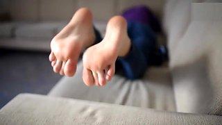 maid feet