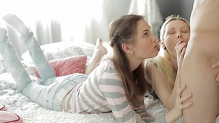 Mirta Marry and Eva enjoy anal 3-some in high definition