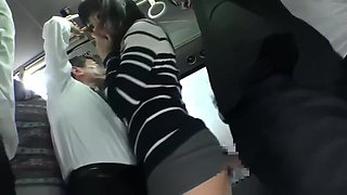 Mao Hamasaki Squirt in Bus
