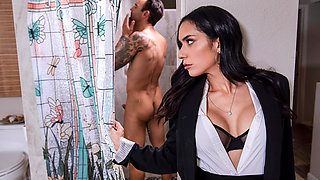 Tia Cyrus & Alex Legend in Rent-A-Pornstar: The Wedding Planner: Part 2 - BRAZZERS