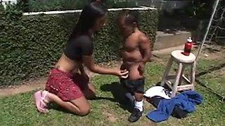 Novinha safada fendo anal com pequeno pau - Video Completo