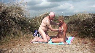 On The Beach Pt2 - MollyMILF