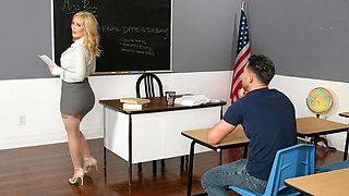 Savannah Bond gives Kinky incentive to her student - myfirstsexteacher
