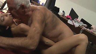 Romanian slut sucking old dick