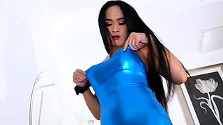 Sexy Ladyboy Anna Enjoys Giving Guy Pleasure