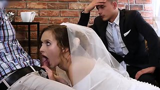 HUNT4K. Cute teen bride gets fucked for cash in front