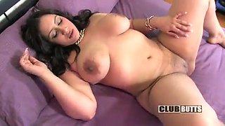 Latina twerking big booty