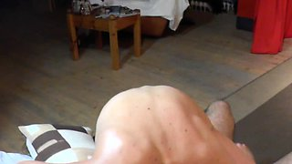 Czech MILF lapdances and gets wild pussy licking