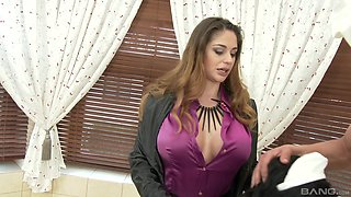 Cathy Heaven has a blast with a kinky babe during a threesome