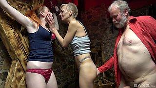 Old dude slides his dick in pussies of Belinda Bee & Annemaria Kaliszova