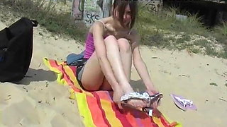 18 years old  teen upskirt with no panties