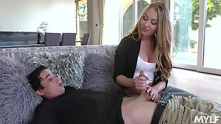19 yo virgin boy enjoys meeting his young stepmom Jeanie Marie Sullivan