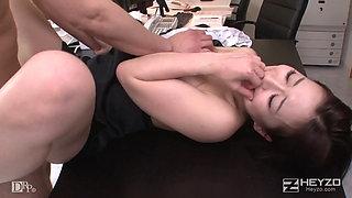 1080p JAV Fucks In Office On Her Desk