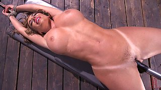 Concupiscent diva with perfectly shaped body Richelle Ryan is testing fucking machine