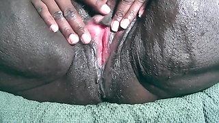 HisQueenSuga Up close Squirting pussy BBW EBony Milf