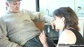 Cross-age double fuck at home