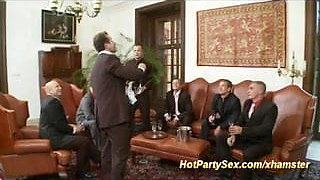 Dames in business party orgy