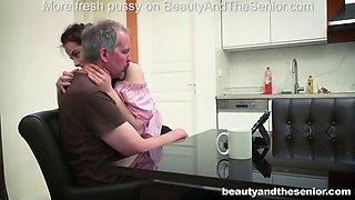 innocent teen vera seducing her old senior neighbor steve