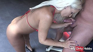 Amateur powerslut streched out in the fitness room