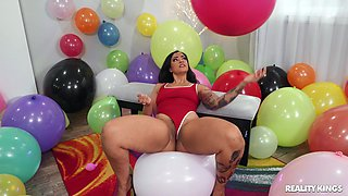 Birthday celebration sex with cock hungry girlfriend Bad Kittyyy
