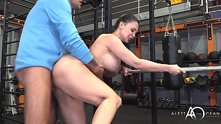 Ms Ocean Gets a Hot Sweaty Workout