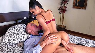 Abby Lee Brazil & Sean Lawless in Slut Hotel: Part 1 - Brazzers