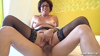Alissa is a mature, French whore who likes to suck cocks even free of any charge