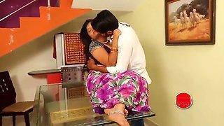 Sashi aunty boobs pressing romance