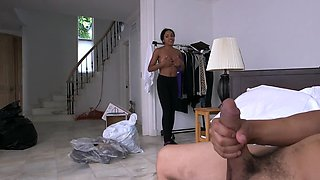 Boss unceremoniously pays black servant to give him blowjob