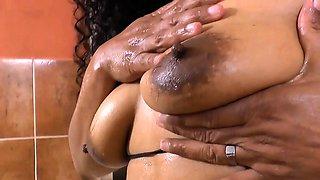 Latina BBW milf Sandra needs to get off in bath