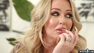 Busty mature stepmom Alura Jenson surprising her jailbird stepson with anal
