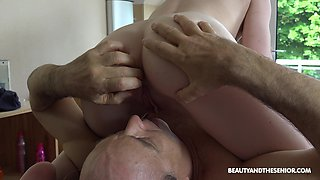 Torrid fresh girl Emma Fantasy treats old ugly man with massage and BJ