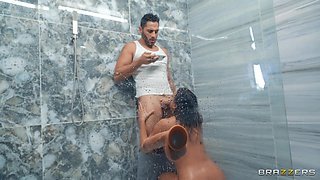 Nude mom tries the hard wood at the shower