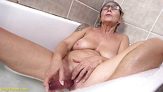 Dirty Busty Grandma Pissing in The Bathtub